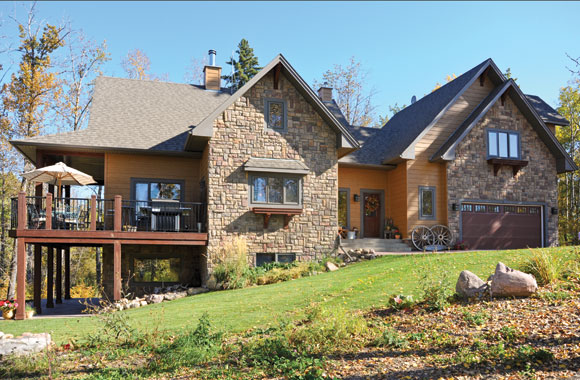 A builder 39 s country dream home canadian cowboy country for Home builders magazine